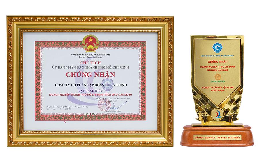 Cúp và bằng khen giải thưởng Doanh nghiệp TP.HCM tiêu biểu năm 2020 dành cho Tập đoàn Hưng Thịnh