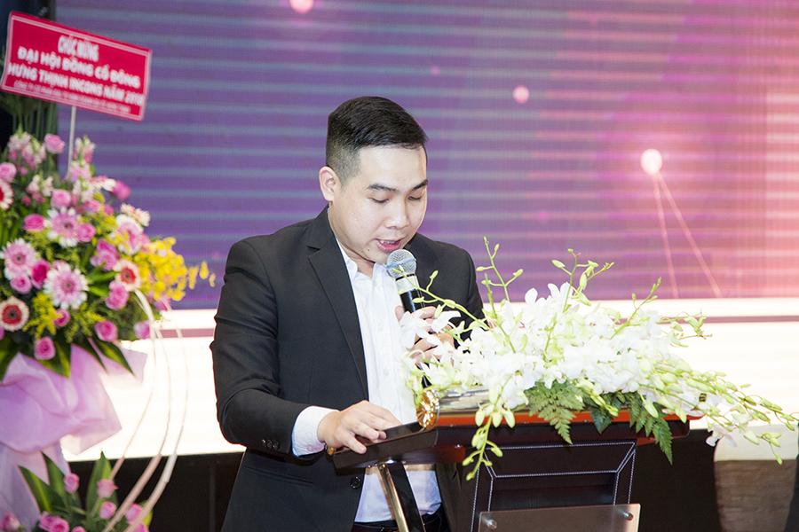 Ông Nguyễn Ngọc Long – Trưởng Ban Thư ký đọc Dự thảo Biên bản và Nghị quyết Đại hội đồng Cổ đông thường niên 2018
